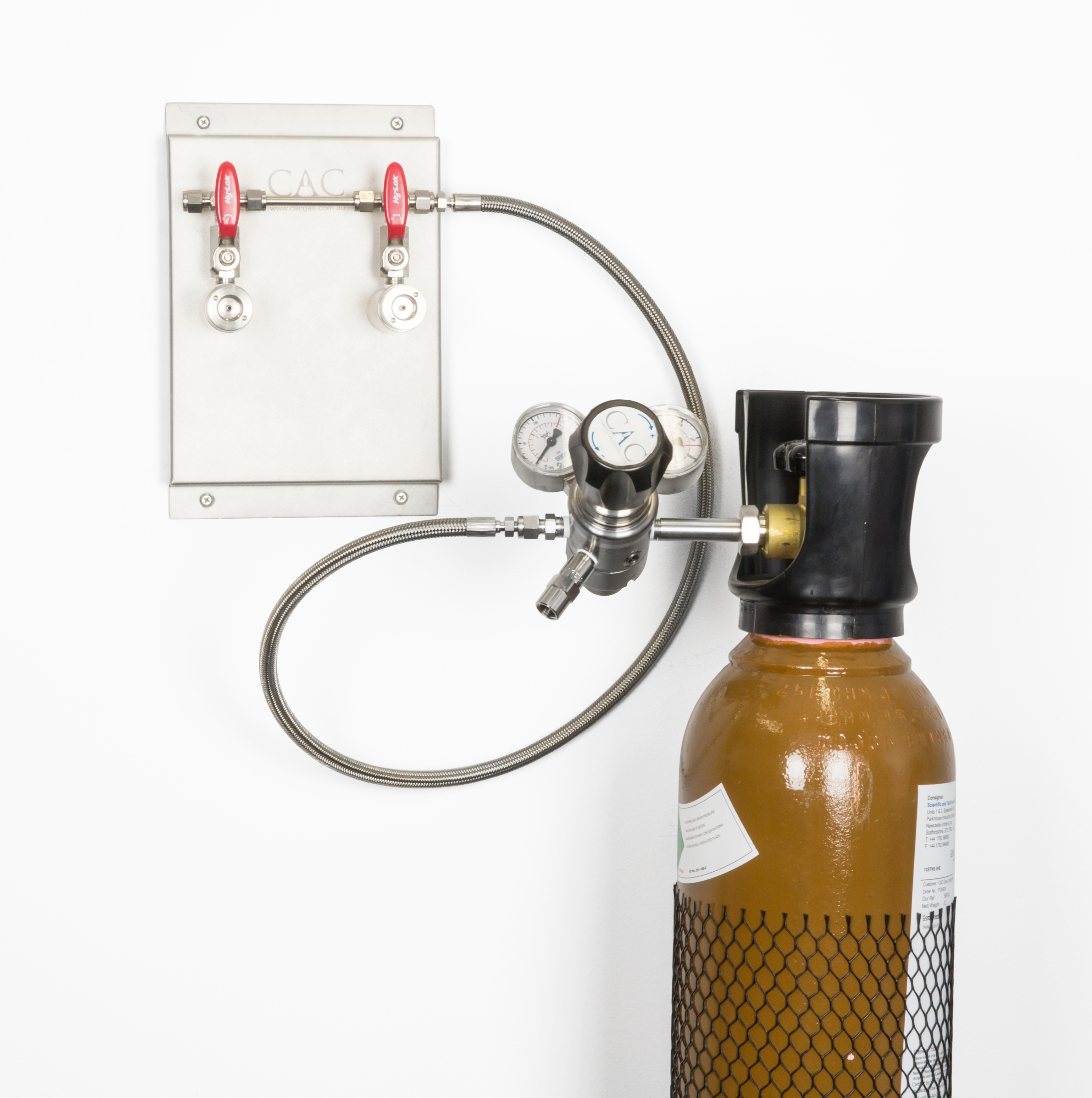Duo_wall_mount_and_cylinder.jpg